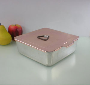8x8 cake pan with lid