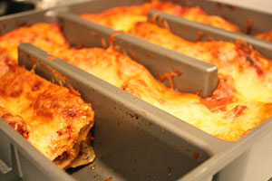 4 deep lasagna baking pan