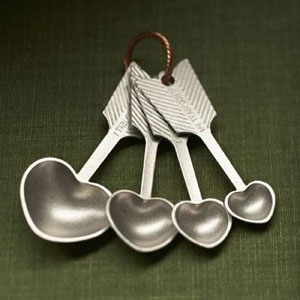 pewter heart shaped measuring spoons